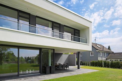 wohnhaus solingen von bahl architekten bda homify. Black Bedroom Furniture Sets. Home Design Ideas