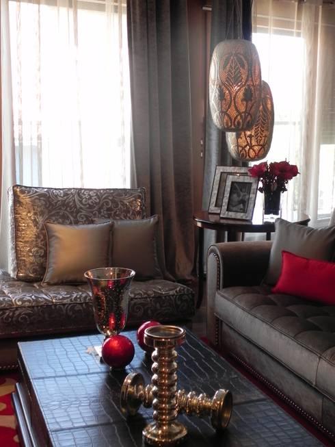 SALON CLASICO: Salones de estilo  de BONSAI S.L