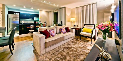 Apartamento A.FM: Salas de estar ecléticas por RICARDO GRANGERA - ARQUITETOS