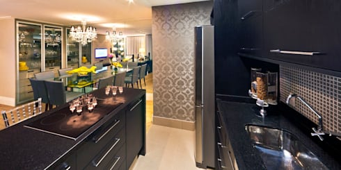 Apartamento A.FM: Cozinhas ecléticas por RICARDO GRANGERA - ARQUITETOS