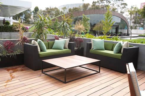 Sala para terraza: Balcones y terrazas de estilo moderno por Mob
