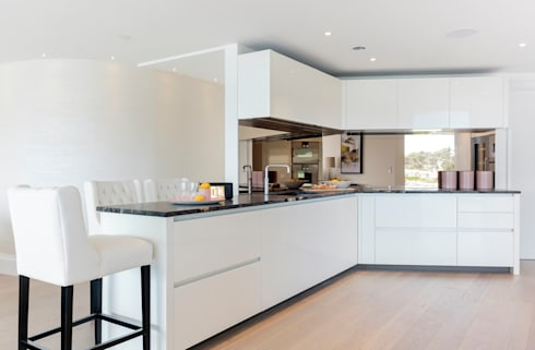 Kitchen: modern Kitchen by WN Interiors of Poole in Dorset