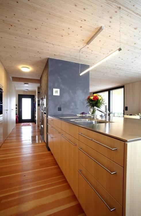 Cuisine de style de style eclectique par UNIT Architekten