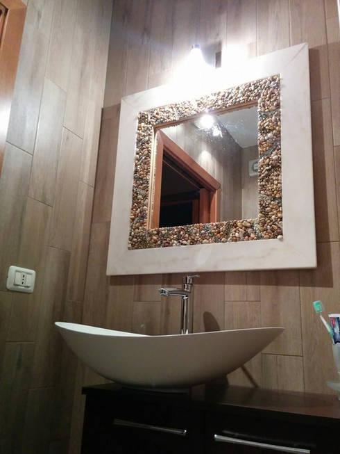 Baños de estilo rústico por Arte Del Mosaico
