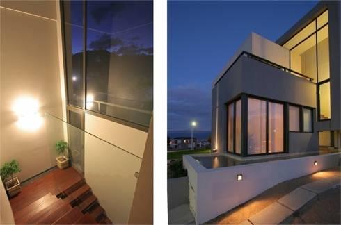 Proyecto D1: Pasillos y recibidores de estilo  por CLEMENT-RICO I Arquitectos