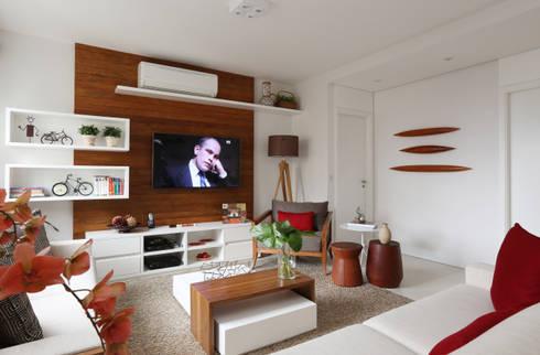 Salas de estilo ecléctico por Duda Senna Arquitetura e Decoração
