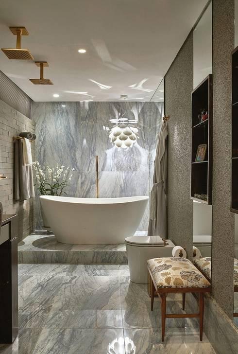 Banheira - Banho Casal: Banheiros modernos por Studio Alessandra Lobo