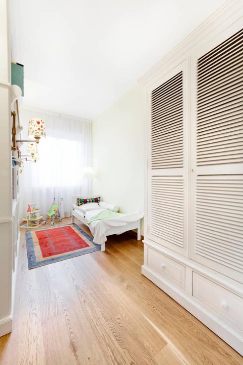 Dormitorios de estilo  por 23bassi studio di architettura