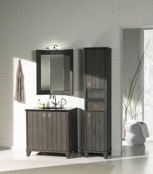 Badmöbel im Landhausstil aus französischer Eiche:  Badezimmer von F&F Floor and Furniture