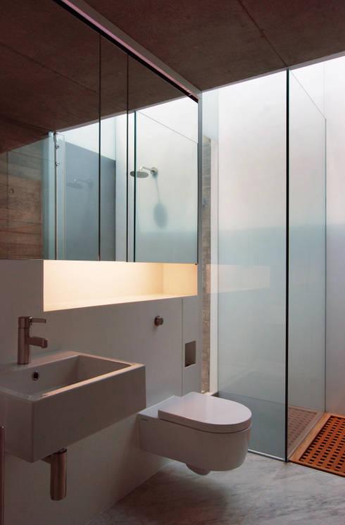 Badezimmer von Eldridge London