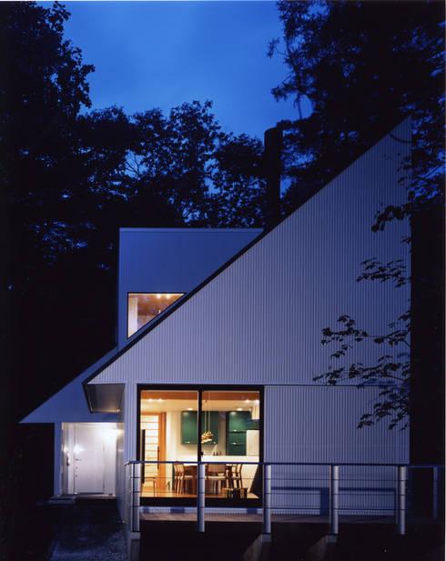 Casas de estilo  por 加藤將己/将建築設計事務所