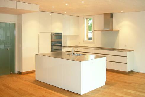 minergie wohnhaus von architekturb ro andr sch r dipl arch fh homify. Black Bedroom Furniture Sets. Home Design Ideas
