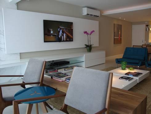 Apartamento Beira Mar: Quartos  por Geraldo Brognoli Ludwich Arquitetura