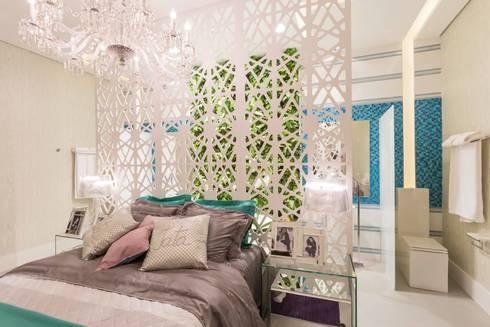 Apartamento da Jovem Artista: Quartos  por Patrícia Hagobian Interiores