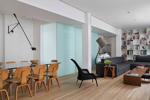 Apartamento Ipanema: Salas de jantar modernas por andre piva arquitetura