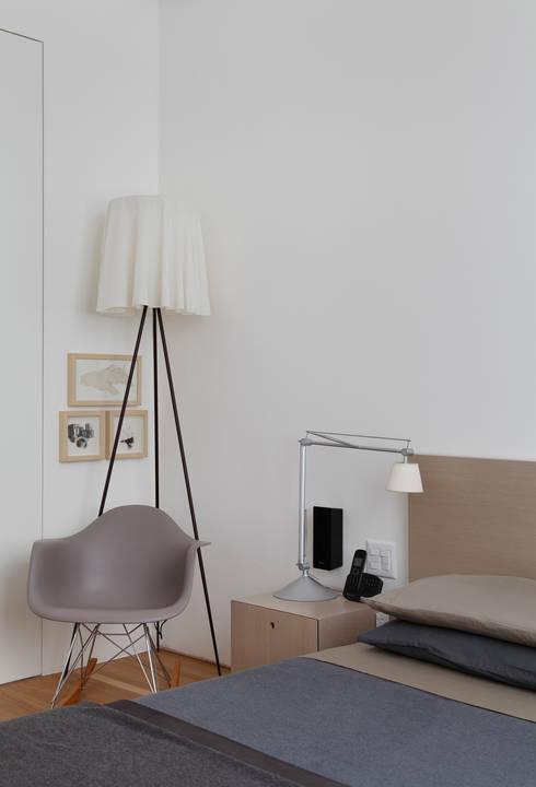 Apartamento Ipanema: Quartos  por andre piva arquitetura
