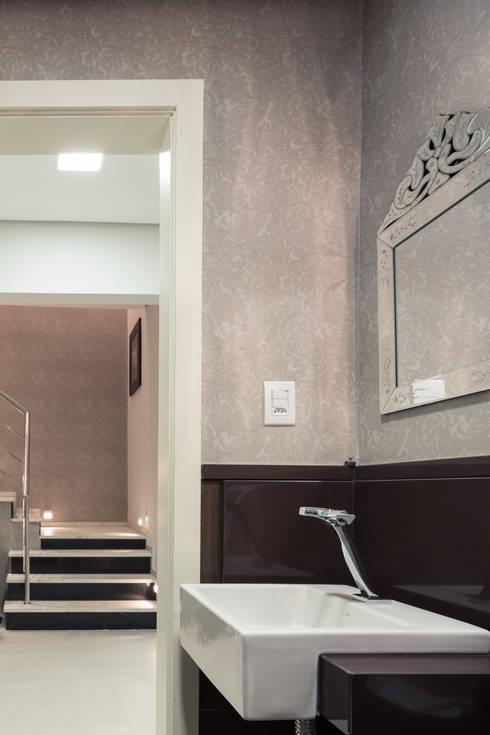 Lavabo P.N.E: Espaços comerciais  por Juliana Damasio Arquitetura
