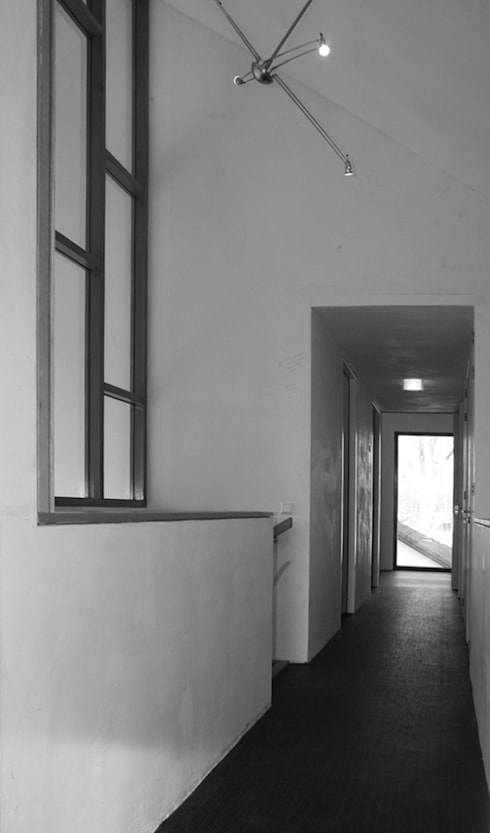 Corridor & hallway by ddp-architectuur