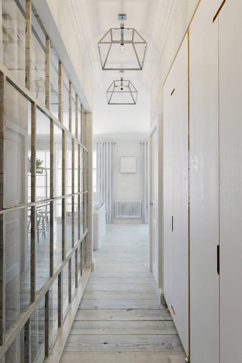 Corridor & hallway by Anton Medvedev Interiors