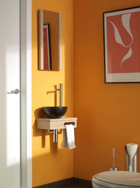 Bagno in stile in stile Moderno di F&F Floor and Furniture