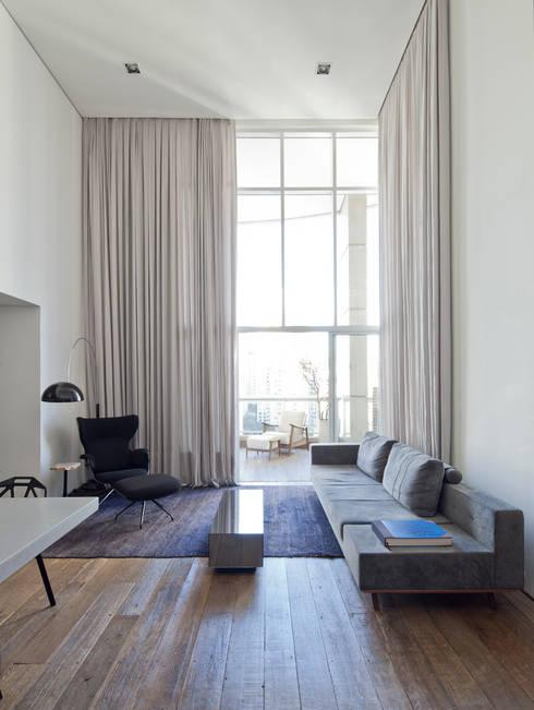 Projekty,  Salon zaprojektowane przez Meireles Pavan arquitetura