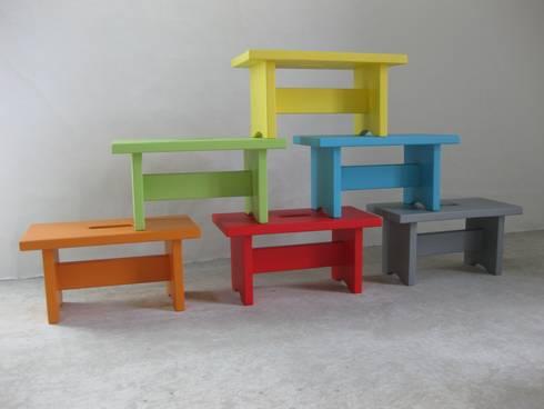 petit banc en bois massif color par lartelier homify. Black Bedroom Furniture Sets. Home Design Ideas