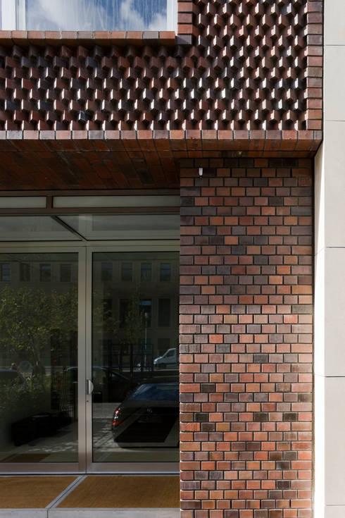 TOWNHOUSE P15: moderne Häuser von Nalbach + Nalbach Gesellschaft von Architekten mbH