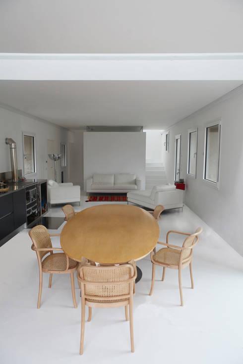CASA IN VAL PELLICE: Cucina in stile in stile Moderno di Dario Castellino Architetto