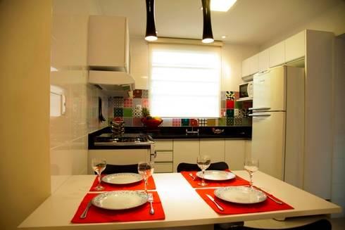 Cozinha Compacta: Cozinhas modernas por Marcia Debski Ferreira Designer de Interiores