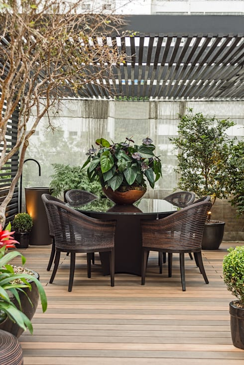 Lounge das Jabuticabeiras: Jardins  por Denise Barretto Arquitetura