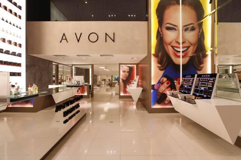 Avon: Lojas e imóveis comerciais  por Denise Barretto Arquitetura