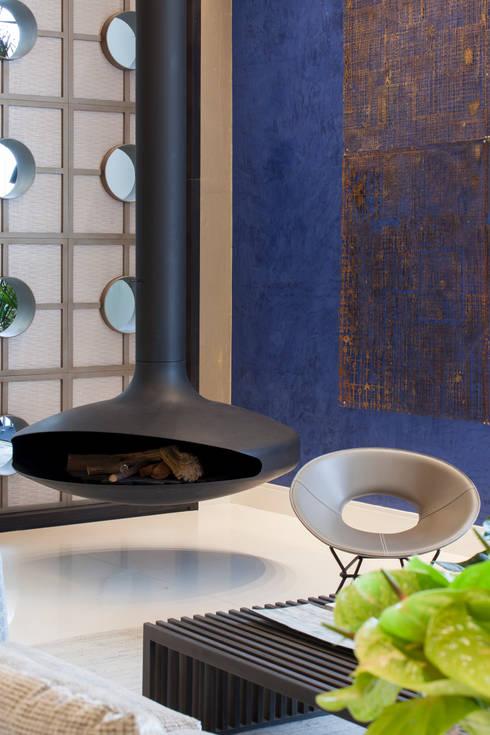 Loft do Casal: Salas de jantar modernas por Denise Barretto Arquitetura