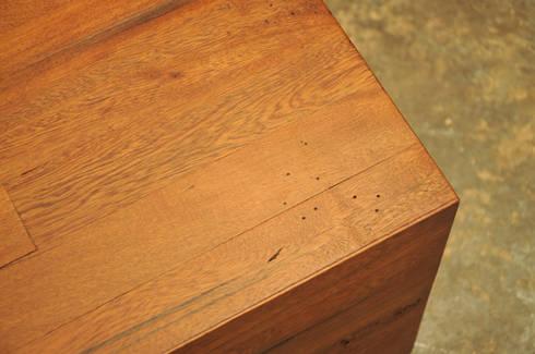 Mesa centro: Recámaras de estilo rústico por Mediamadera