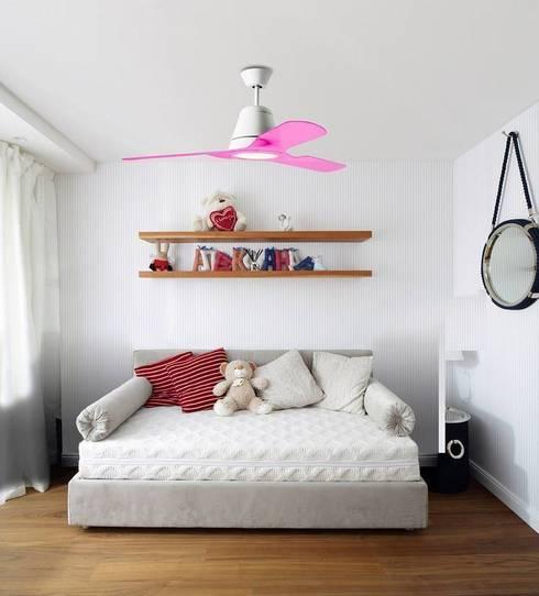 TIGA (THE ONE 2015): Habitaciones infantiles de estilo  de LEDS-C4