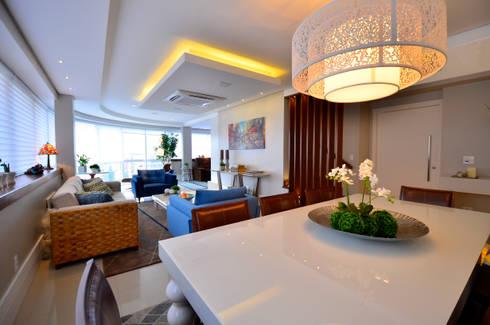Bela Vista 01: Salas de jantar modernas por Juliana Baumhardt Arquitetura