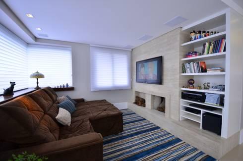 Bela Vista 01: Salas multimídia modernas por Juliana Baumhardt Arquitetura