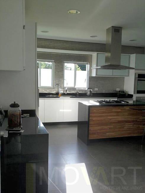 CASA LB: Cozinhas modernas por DIOGO RIBEIRO arquitetura