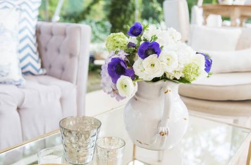 Centro de mesa: Salas de estilo clásico por Elemento Tres