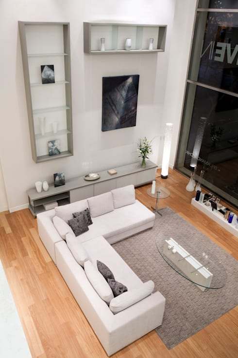 Showroom LIVE IN: Livings de estilo  por LIVE IN