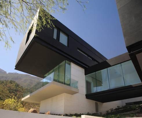 Casa BC: Casas de estilo moderno por GLR Arquitectos