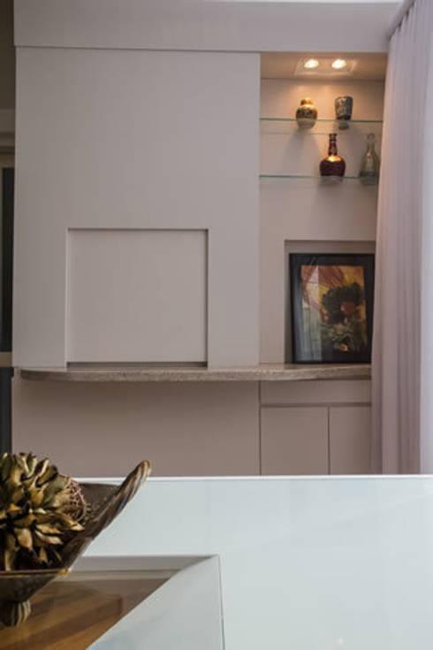 IMT: Sala de jantar  por Bloco Z Arquitetura