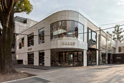 bally: Espacios comerciales de estilo  por ARQUICONCEPTOS