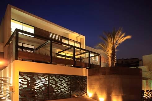 Casa CG: Casas de estilo moderno por GLR Arquitectos