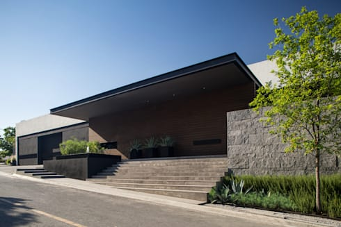 Casa MT: Casas de estilo moderno por GLR Arquitectos