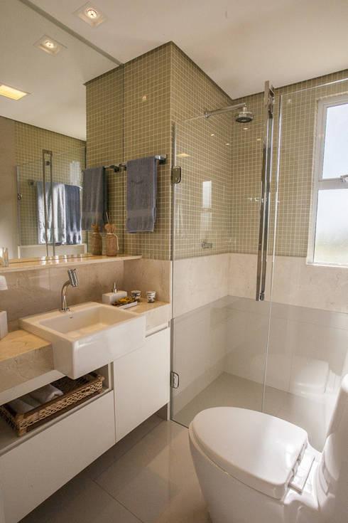 Condominio Laffite: Banheiros modernos por POCHE ARQUITETURA