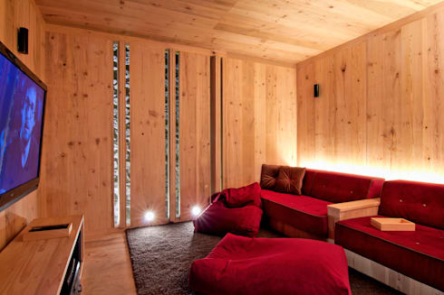 Sala de Cine: Salas multimedia de estilo minimalista por Weber Arquitectos
