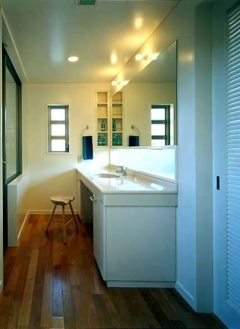洗面室: tuboutiが手掛けた浴室です。