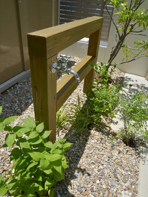 Jardines de estilo moderno por T's Garden Square Co.,Ltd.