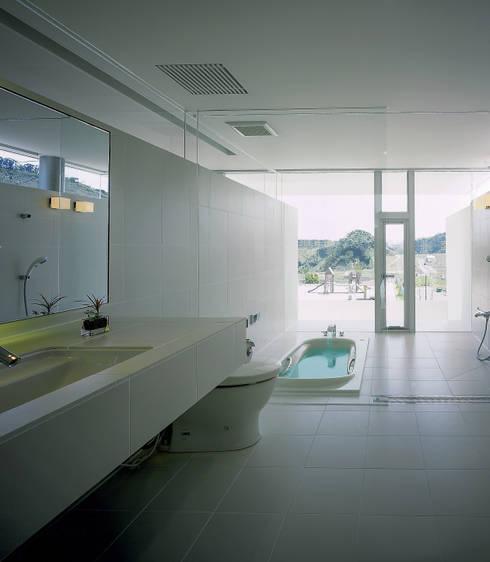 Casas de banho modernas por アトリエ環 建築設計事務所