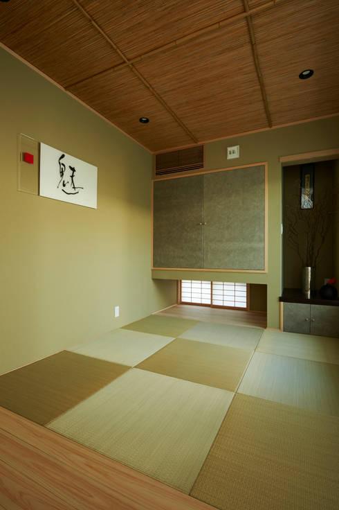 くつろぎの和室: TERAJIMA ARCHITECTSが手掛けた和室です。